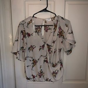 🙋🏻♀️ 4 for $20 L Sienna Sky Blouse